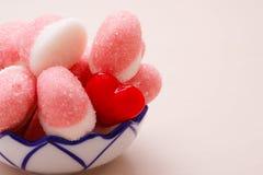 Roze gelei of heemst met suiker in kom Royalty-vrije Stock Foto's