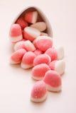Roze gelei of heemst met suiker op lijst Royalty-vrije Stock Afbeelding