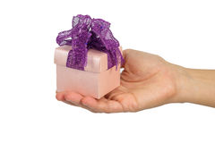 Roze giftdoos op hand Royalty-vrije Stock Foto's