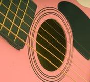 Roze gitaar Stock Fotografie