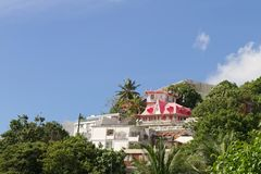 Roze huis in Fort de France - Martinique stock foto's