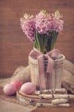 Roze hyacinten en paaseieren Royalty-vrije Stock Afbeelding