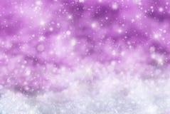 Roze Kerstmisachtergrond met Sneeuw, Snwoflakes, Sterren Royalty-vrije Stock Fotografie