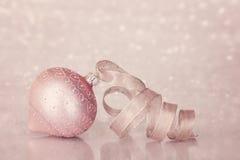 Roze Kerstmisornament Royalty-vrije Stock Afbeeldingen