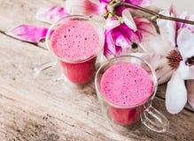 Roze latte gezonde drank stock foto