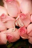 Roze nam boeket en zilveren M toe royalty-vrije stock foto