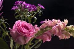 Roze nam in een boeket toe royalty-vrije stock foto's