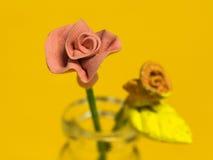 Roze Rose Tiny Toy royalty-vrije stock foto's