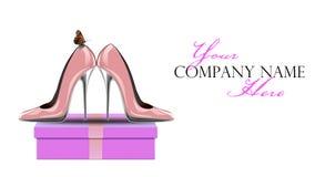 Roze schoenen met vlinder op giftdoos stock illustratie