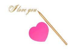 Roze sticker in de vorm van hart en een gouden potlood op het wit Royalty-vrije Stock Foto