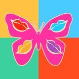 Roze vlinder met decoratieve patronen die lippen op vleugels afschilderen Stock Foto's