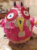 Roze voor verjaardagenpinjata royalty-vrije stock afbeelding