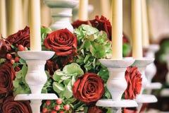 Rozen en kaarsen Stock Foto's
