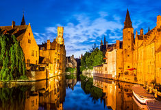 Rozenhoedkaai Bruges i Belgien royaltyfri bild