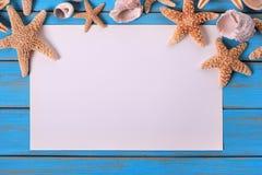 Rozgwiazdy seashore papieru błękita plaży drewna plakatowy stary wietrzejący decking Obrazy Stock