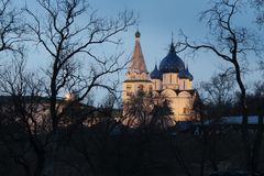 Rozhdestvenskiy Cathedral of the Suzdal Kremlin on April evening. royalty free stock photos