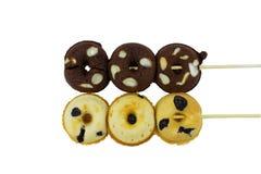 Rozijn donuts op witte achtergrond Stock Afbeeldingen