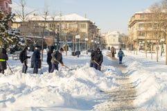 Rozjaśniać zwyczajną ulicę w Pomorie, Bułgaria, zima 2017 Obraz Stock