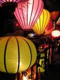 Rozjarzeni lampiony dla sprzedaży w Hoi Wietnam obrazy royalty free
