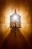 rozjarzonego lampy marmuru metalu ozdobna ściana zdjęcie stock