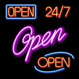 rozjarzonego neon otwarci ustaleni znaki Fotografia Royalty Free