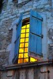 Rozjarzony światło od otwartego okno Zdjęcie Stock