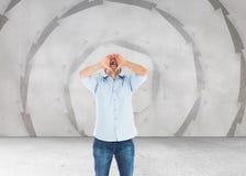 Rozkrzyczana przypadkowa mężczyzna pozycja Zdjęcie Stock