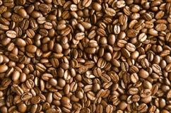 rozlewająca fasoli kawa Zdjęcia Royalty Free