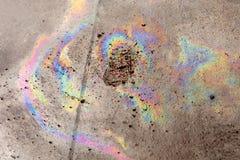 Rozlewający olej na ziemi Zdjęcia Royalty Free