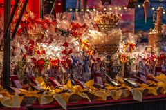 Rozmaitość cukierki na boże narodzenia wprowadzać na rynek w Salzburg, Austria fotografia royalty free