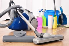 Rozmaitość detergent butelki i chemicznego cleaning dostawy fotografia stock
