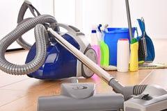 Rozmaitość detergent butelki i chemicznego cleaning dostawy obrazy royalty free