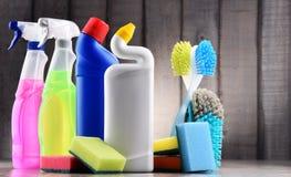 Rozmaitość detergent butelki i chemicznego cleaning dostawy zdjęcie stock
