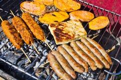 Rozmaitość jedzenie na bbq Zdjęcia Stock
