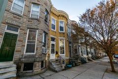 Rozmaitość Kolorowy rząd Stwarza ognisko domowe w Hampden, Baltimore Maryland fotografia stock