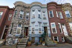 Rozmaitość Kolorowy rząd Stwarza ognisko domowe w Hampden, Baltimore Maryland Zdjęcie Stock