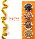 Rozmaitość lub legumes w pucharach Obrazy Royalty Free