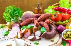Rozmaitość mięsnych produktów warzywa Zdjęcia Royalty Free