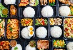 Rozmaitość posiłku Tajlandzcy pudełka fotografia royalty free