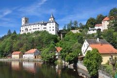 Rozmberk-Schloss am sonnigen Tag Stockbild