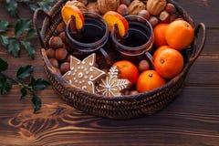Rozmyślać win tangerines dokrętki fotografia stock