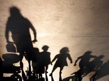 Rozmyty cień r up osoba i wiązka dzieciaki zdjęcie stock