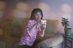 Rozmyty portret uśmiechnięta kobieta zdjęcia stock