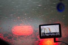 Rozmyty wizerunek inside samochody z bokeh zaświeca z ruchu drogowego dżemem a Fotografia Stock