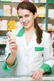 rozochocona chemika farmaceuty kobieta fotografia royalty free