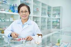 Rozochocona farmaceuta fotografia stock