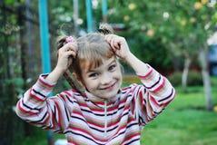Rozochocona mała dziewczynka obraz stock
