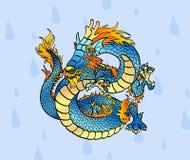 Rozochocony błękitny Chiński smok przeciw kroplom Obrazy Royalty Free