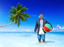 Rozochocony biznesmen relaksuje na wakacje fotografia stock