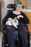 Rozochocony młody infantylny cerebralnego palsy pacjent fotografia stock